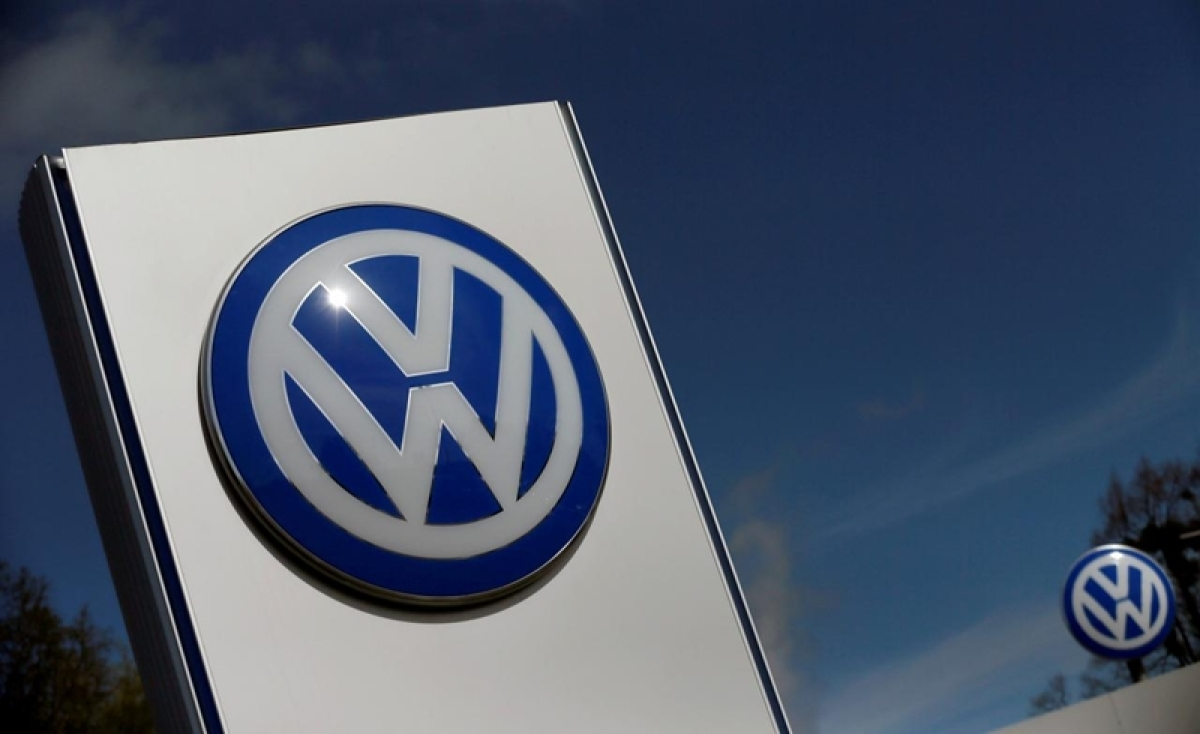 Volkswagen says will invest over 34 billion euros in cars of the future by 2022