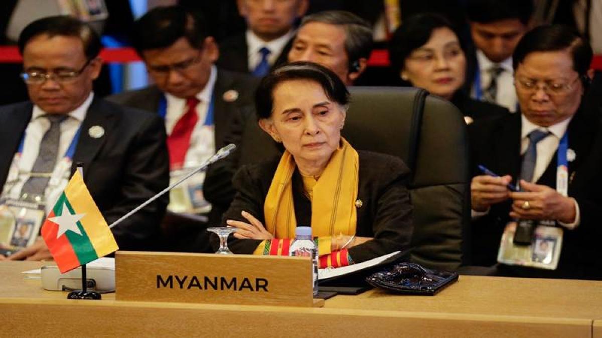 UN chief Antonio Guterres meets Myanmar's Suu Kyi on Rohingya crisis