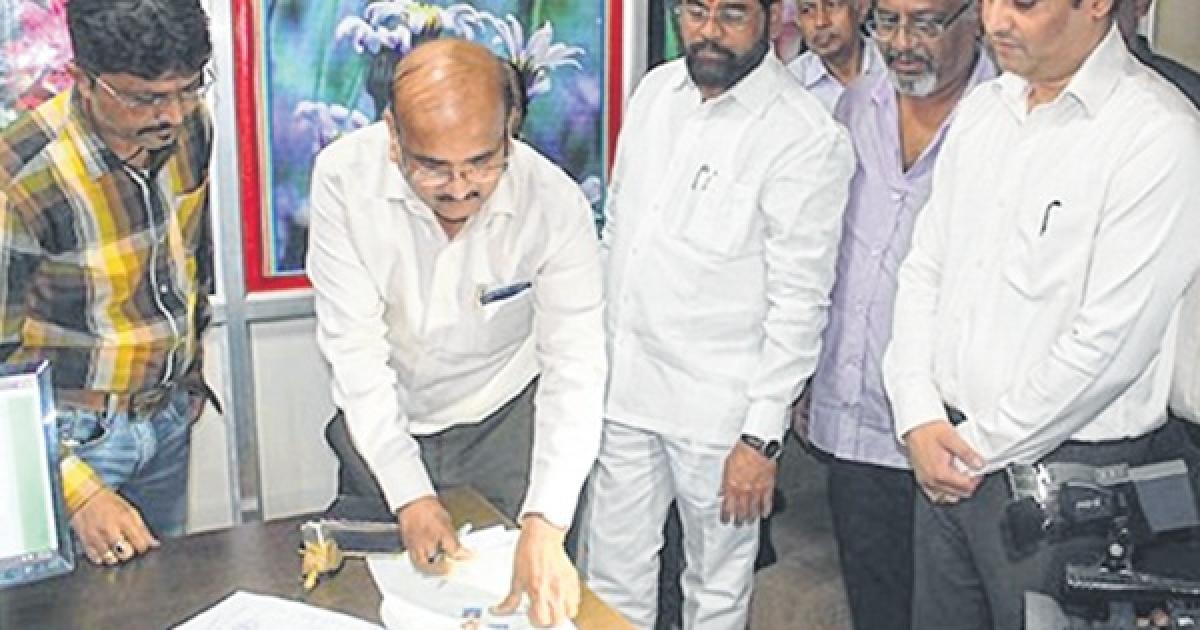During the land acquisition for Samruddhi Mahamarg project taking place at Hingane