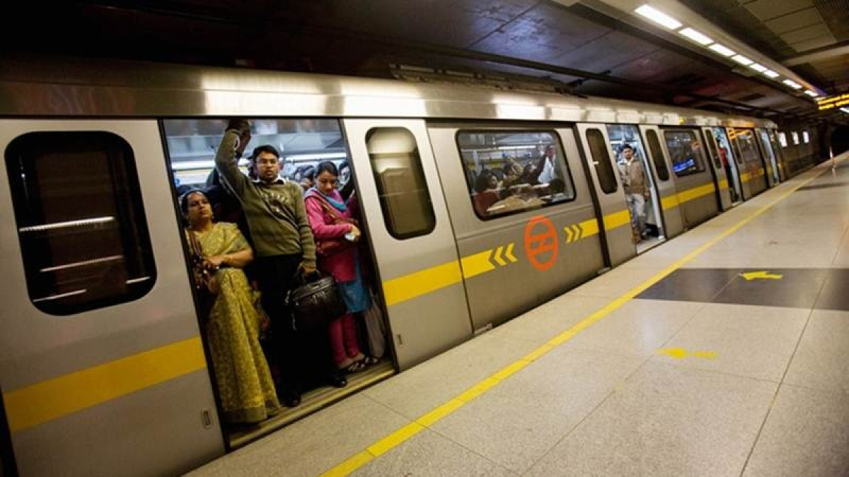 Delhi Metro lost over 2 Lakh commuters a day, after fare steep fare hike in October