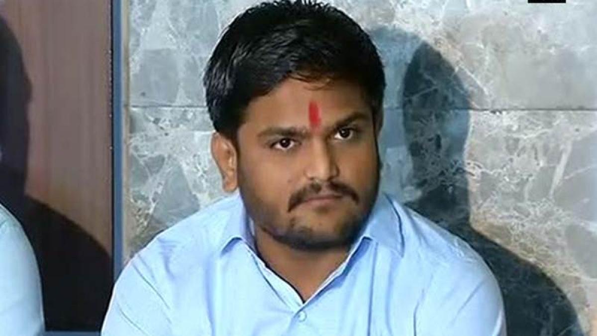Hardik Patel threatens hunger strike, seeks action against Mayor, fire officials