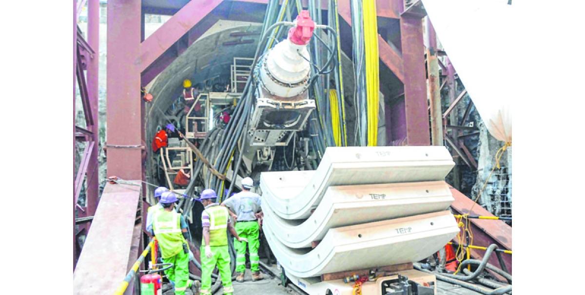 Tunnel boring machine falls on road in Pimpri