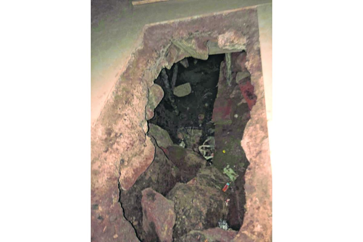 Mumbai: Burglars dig up tunnel into bank, break into 30 lockers