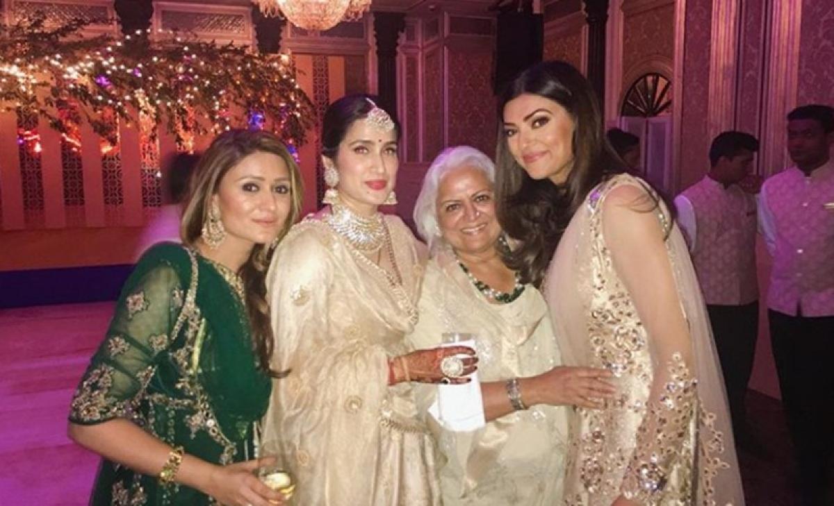 See Pics: Yuvraj Singh, Sushmita Sen at Zaheer Khan and Sagarika Ghatge's grand wedding reception in Mumbai