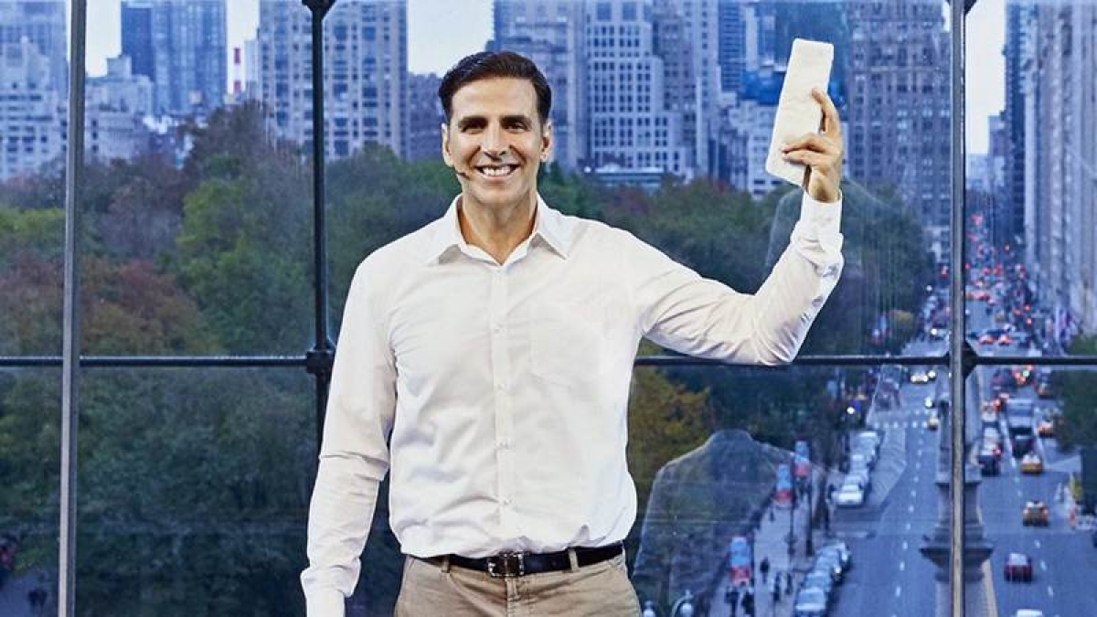 PadMan poster: Akshay Kumar explains how a sanitary napkin can give two months extra life for woman