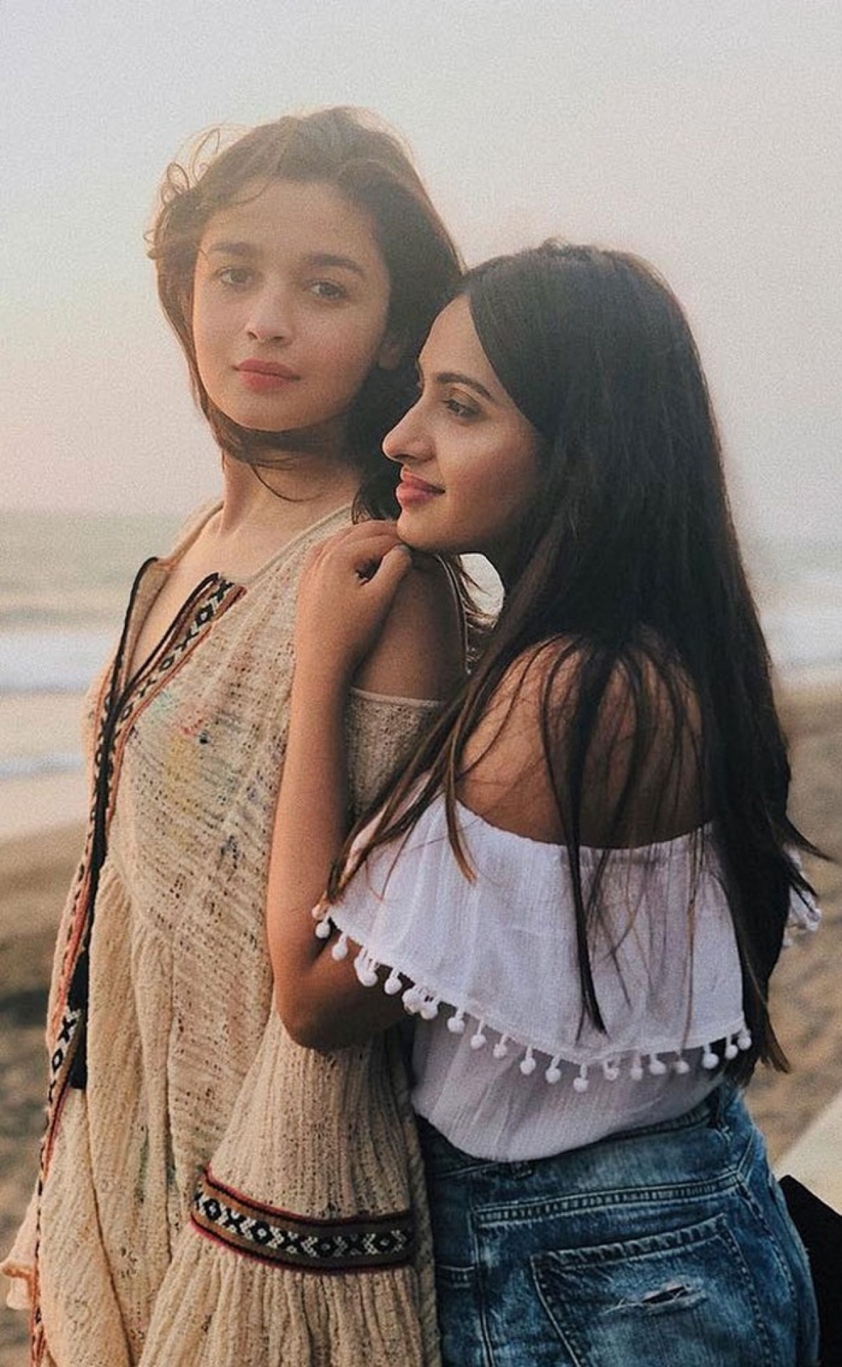 Check out: Alia Bhatt and BFF Akansha Ranjan Kapoor parties with her girl gang