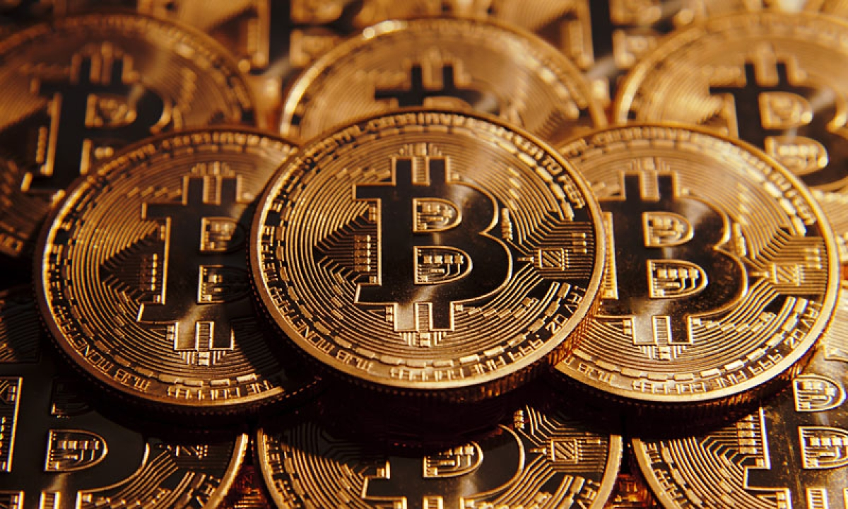 Bitcoin drops over 4% after Japan warns largest operator