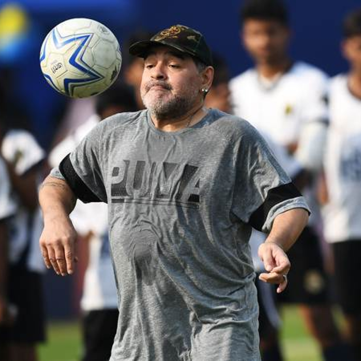 Maradona made the ball meditate on his feet: Ravi Shastri
