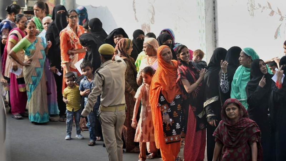Gujarat Elections 2017: EC orders repolling in 6 booths of 2nd phase