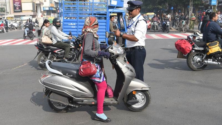 Bhopal: Traffic cops crackdown on under-aged drivers