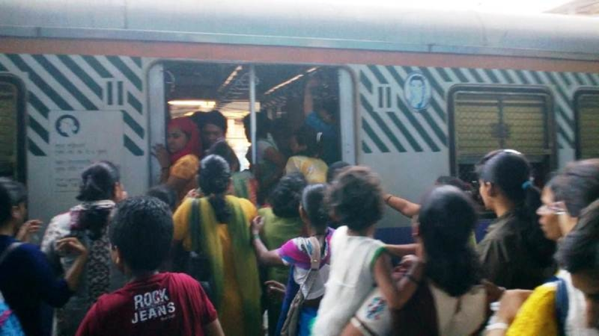 Youth enters ladies' coach, indulges in obscenity, rlys refuse to file plaint