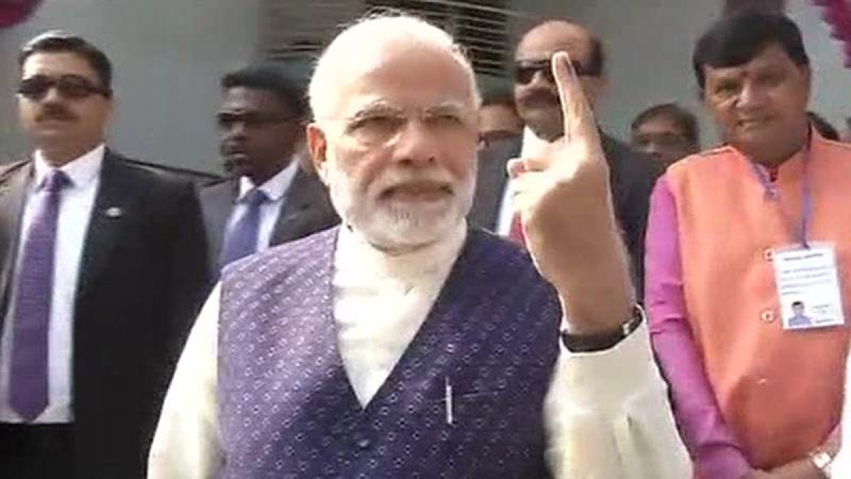 Gujarat Election 2nd Phase 2017: PM Modi casts his vote in Sabarmati