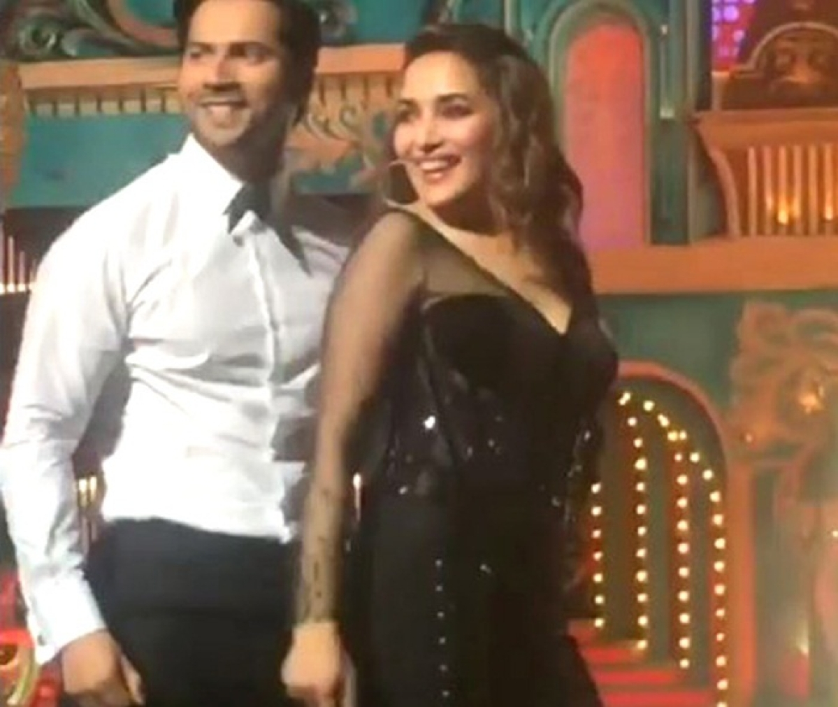 Watch: Varun Dhawan and Madhuri Dixit set the stage ablaze at Star Screen Awards