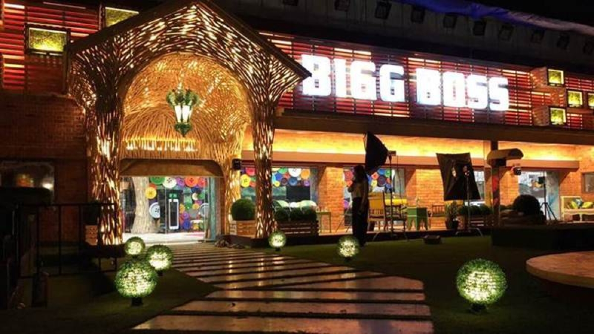 Shocking! 'Entertainment Ki Raat' will soon turn into Bigg Boss house; read full details