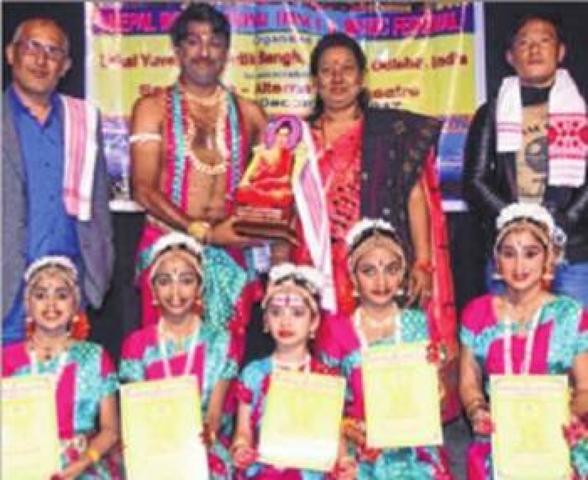 Indore: Drupad Dance Academy students win international awards at Nepal music festival
