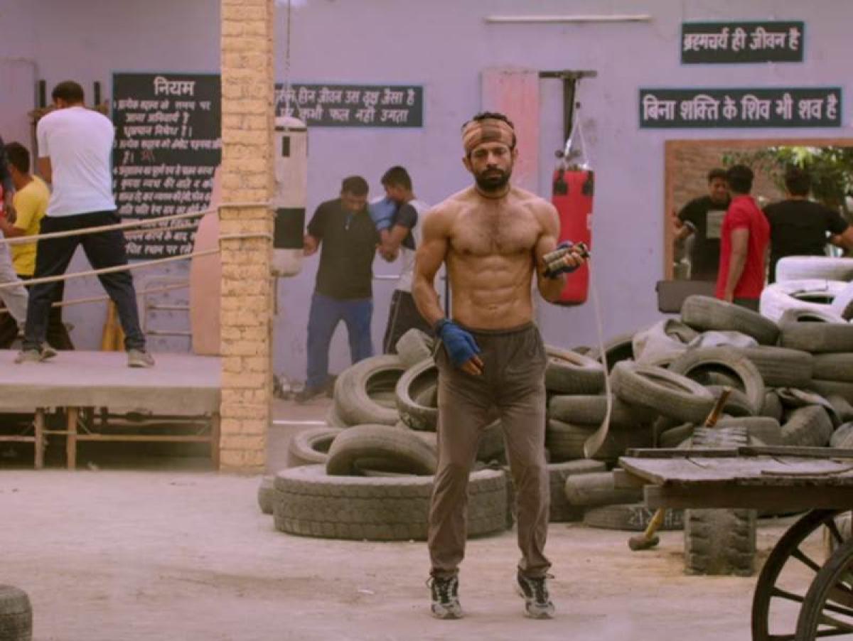 Aanand L Rai, Anurag Kashyap & team of Mukkabaaz launch the trailer!