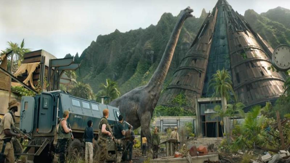 Jurassic World: Fallen Kingdom trailer: It's a battle between humans and dinosaurs