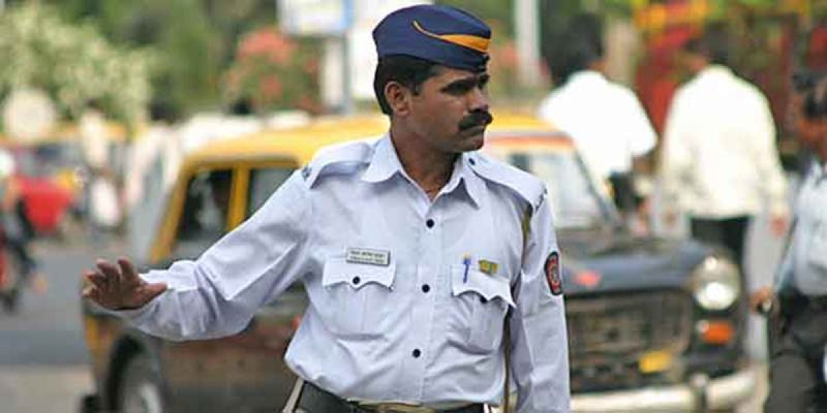Traffic cops file FIRs against errant motorists to instill discipline