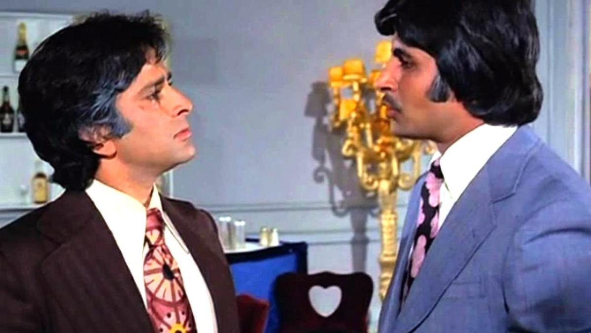 <strong>Amitabh Bachchan and Shashi Kapoor in Kabhie Kabhie</strong>