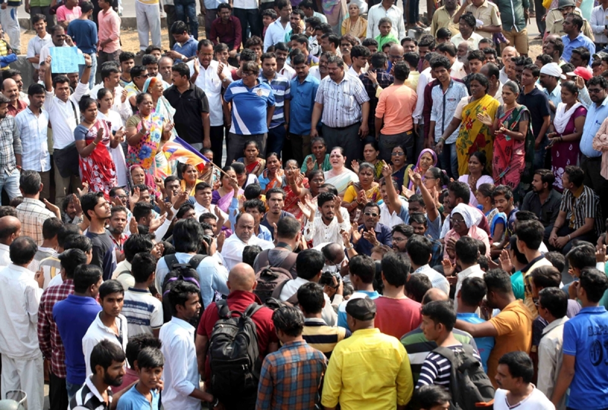 Mumbaikars forced to stay indoors as Dalit protesters take on streets