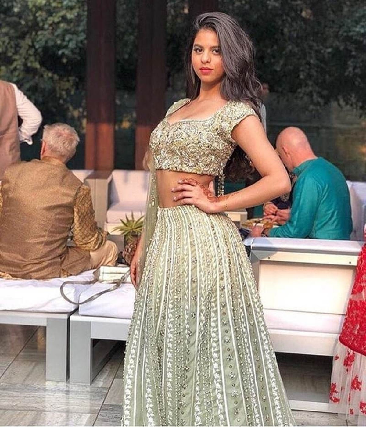 Viral Pictures: Suhana Khan grabs the eye balls with her traditional looks at a wedding in Delhi
