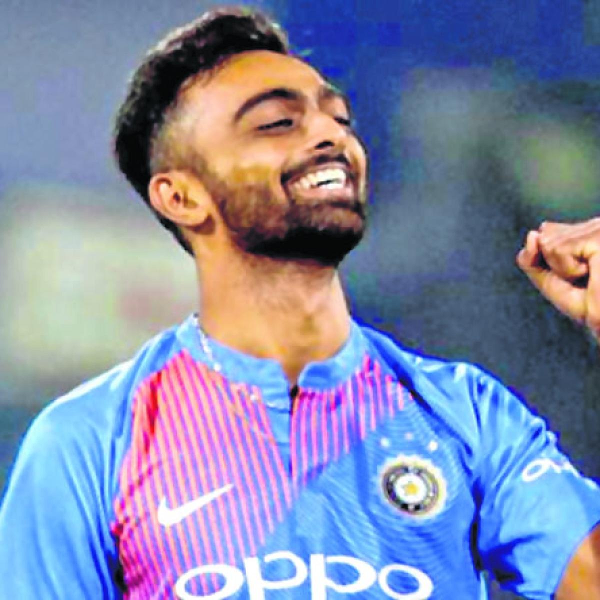 Jaydev Unadkat props India Red