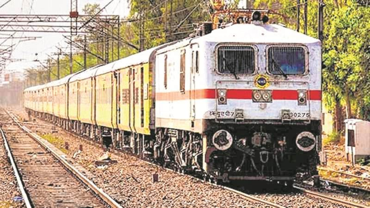 Cyclone Vayu: Western Railways cancelled 70 trains and short- terminates 28 others