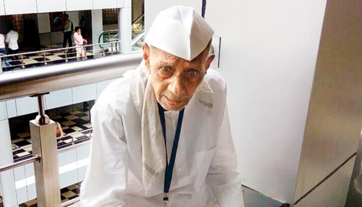 Maharashtra farmer in distress: BJP minister Jaykumar Rawal made a killing?