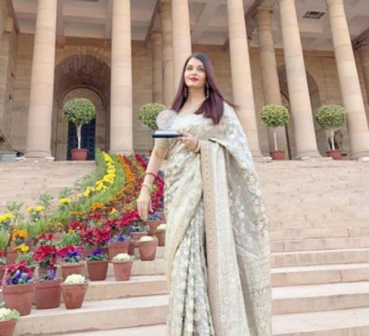 Aishwarya Rai Bachchan honored by President of India
