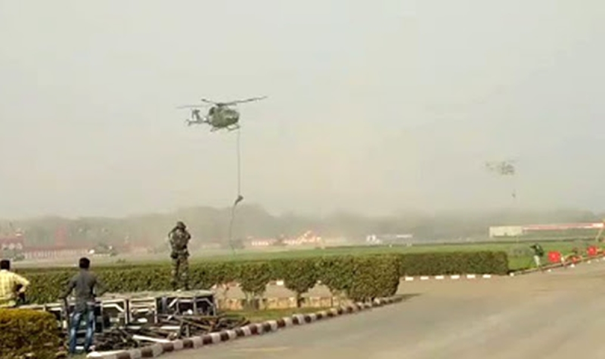 Shocking! Three jawans fall as rope slips off helicopter during Army Day rehearsal