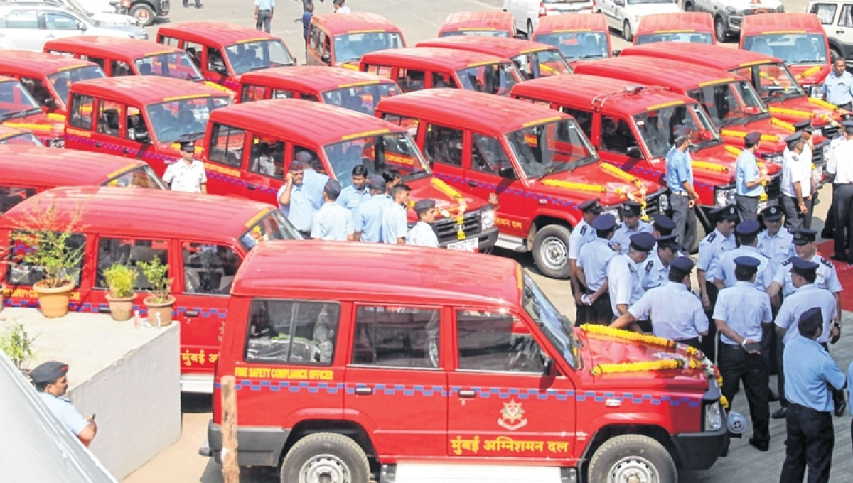 "150 employees of hospitality industry take part in ""Fire Fighting Drill"" competition held by Mumbai Fire Brigade"