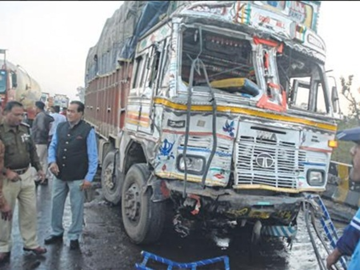 Indore: Steering failure the reason; bus driver booked for negligence
