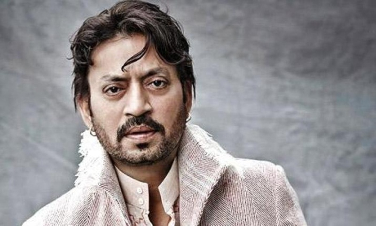 Irrfan Khan receives emotional support from people after being treated with cancer