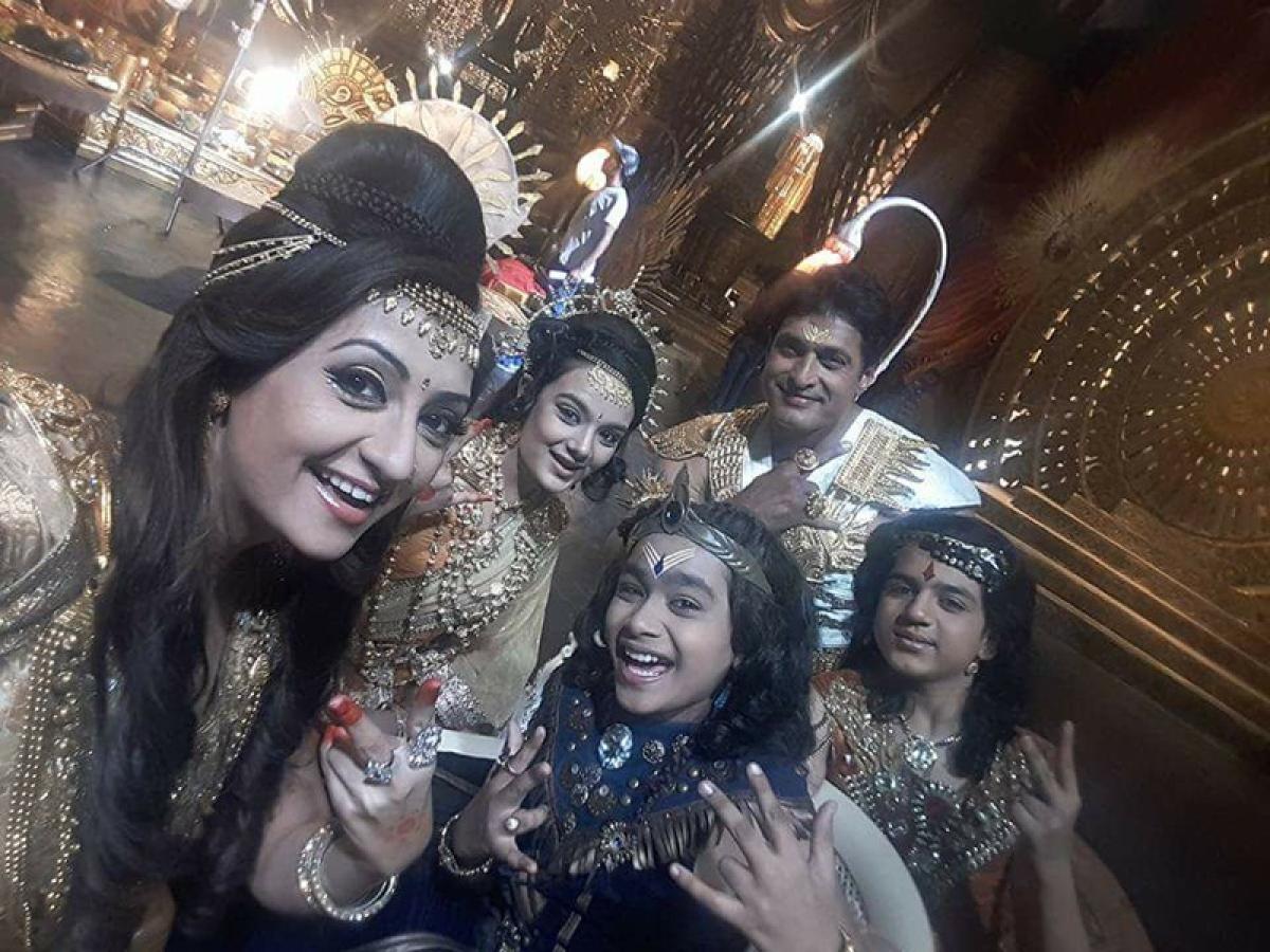 It's a proud moment: Karamphaldata Shani cast on completing 300 episodes
