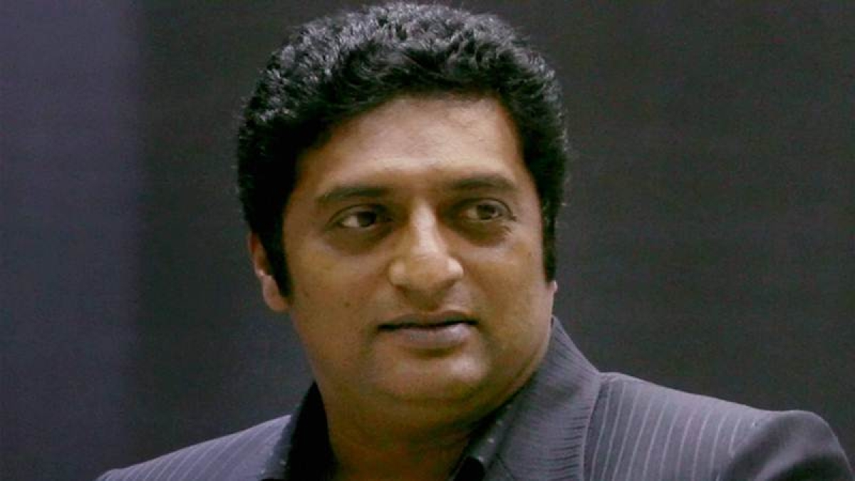 Prakash Raj leaves counting centre after realising he's losing from Bengaluru Central