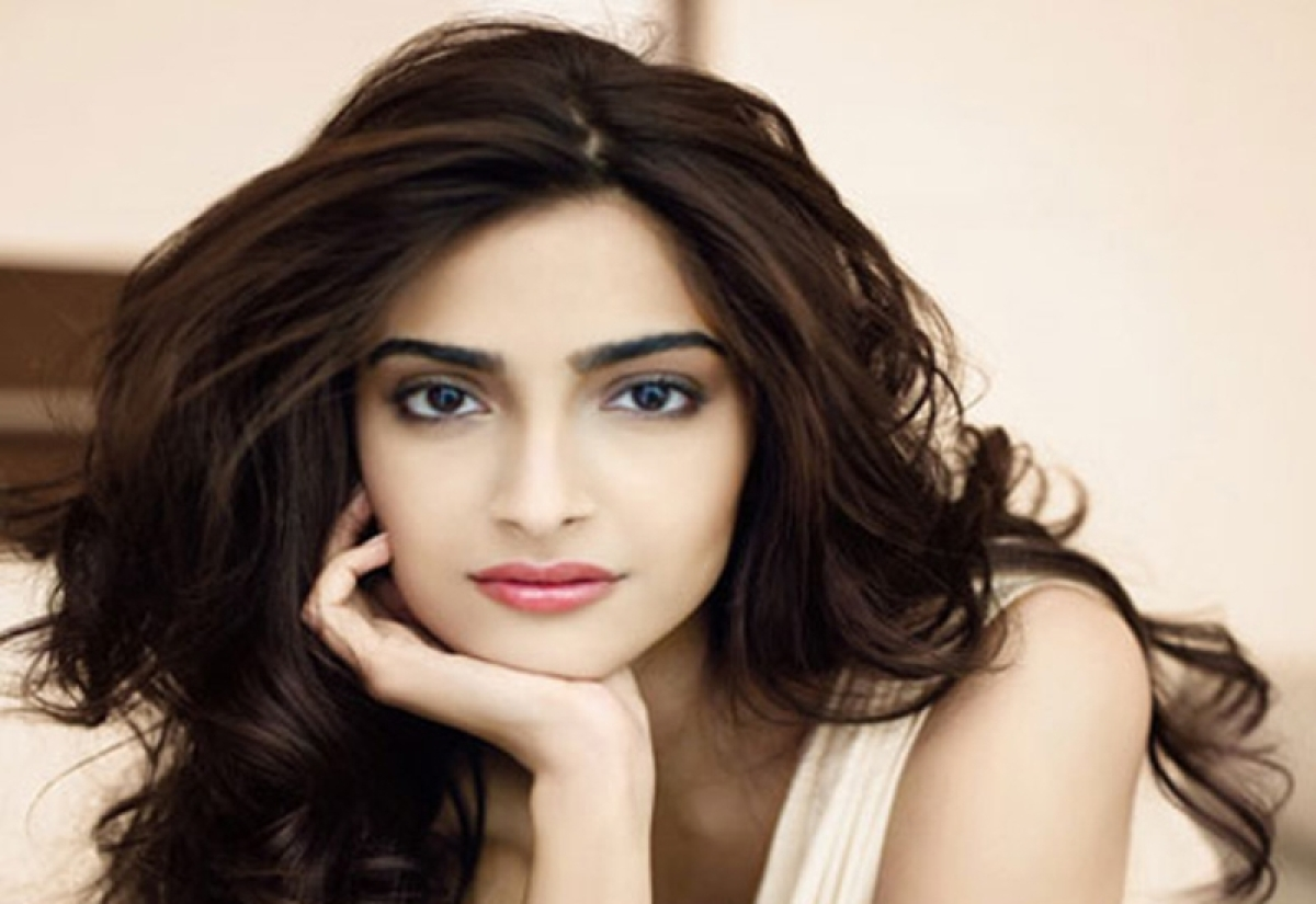 PadMan: Gender equality a human issue, says Sonam Kapoor