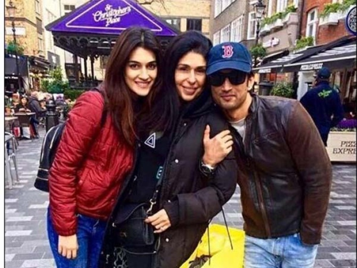 Happy Birthday Sushant Singh Rajput: These 7 pictures might prove he and Kriti Sanon are in a relationship