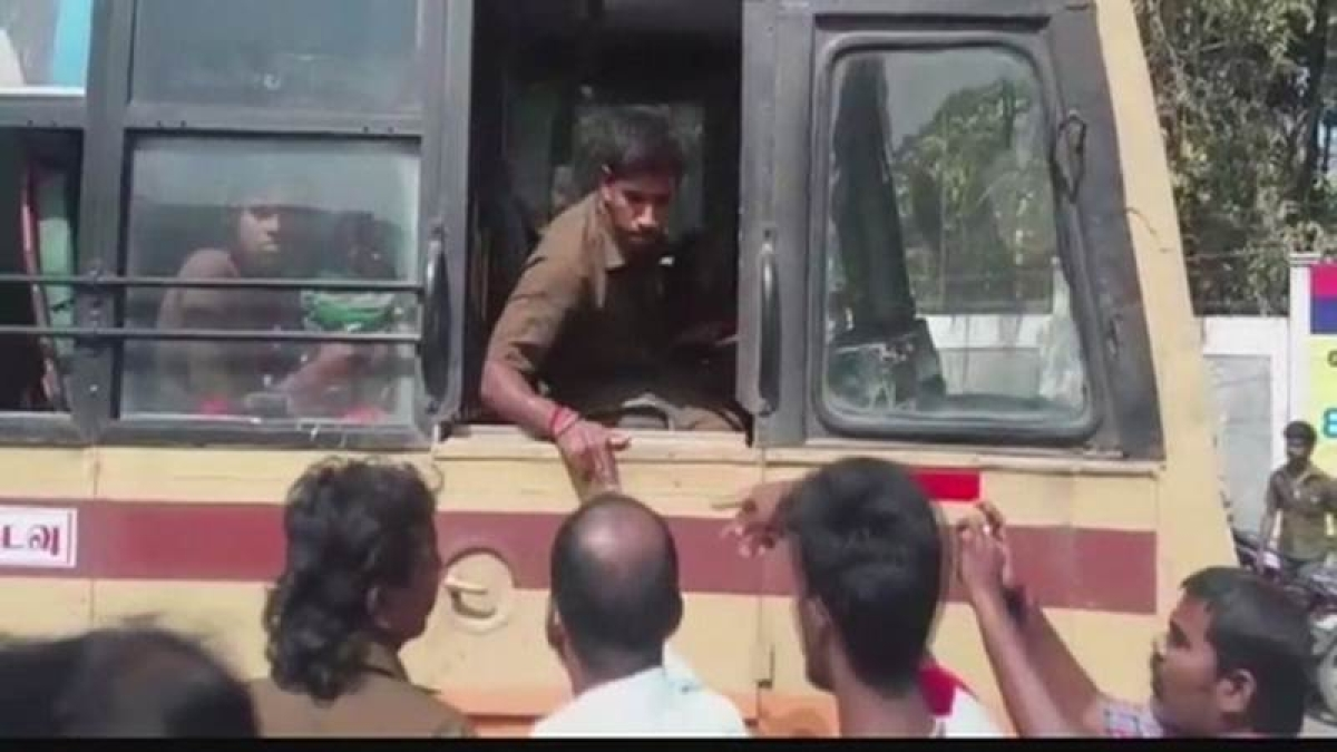 Bus services between Tamil Nadu, Karnataka resumes: Official