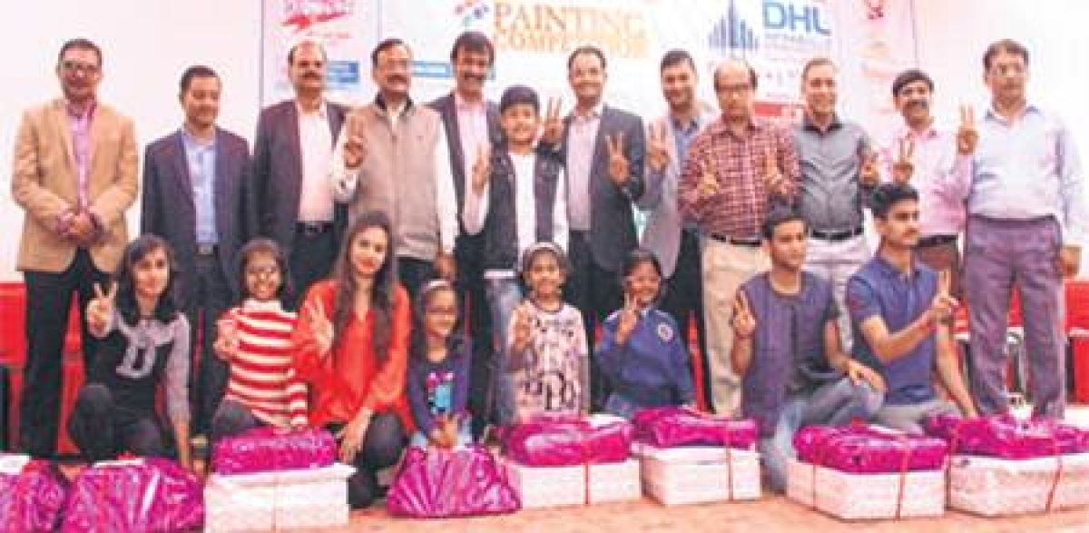 Indore: FREE ON WINGS OF COLOUR