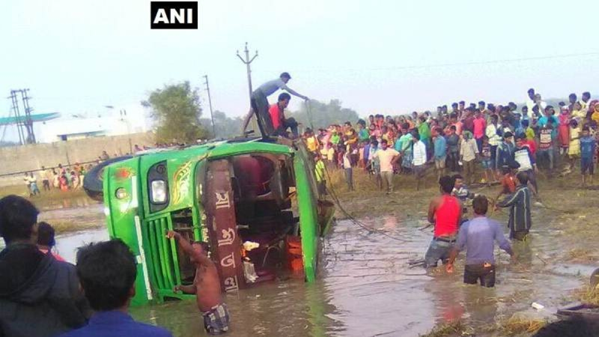 West Midnapore: At least 6 dead, 25 injured in road accident in Bengal