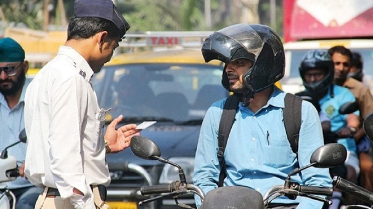 New year in Pune to begin on a safe note, Wearing helmet will be mandatory