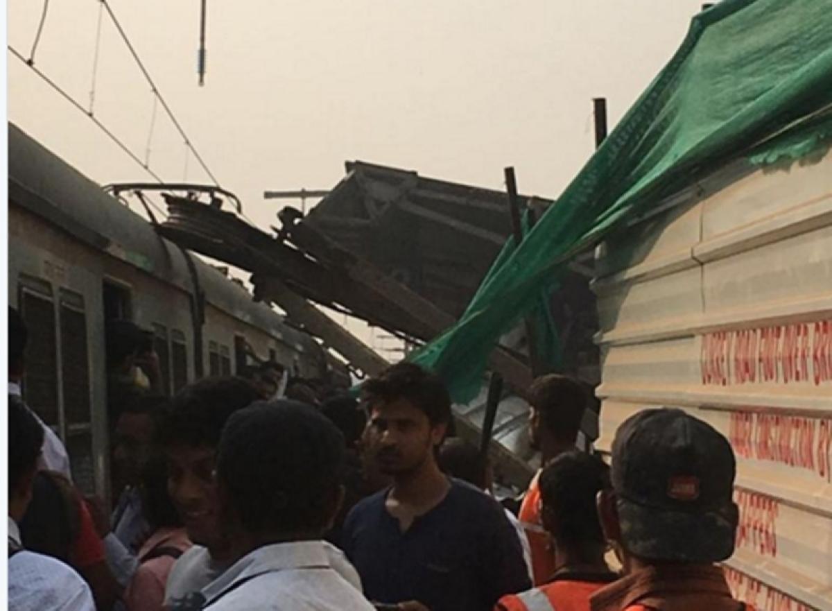 Mumbai: Major mishap averted at Currey Road station