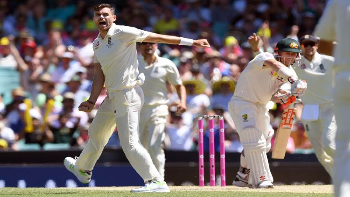 Ashes 2017-18: England snare David Warner wicket in blow for Aussies