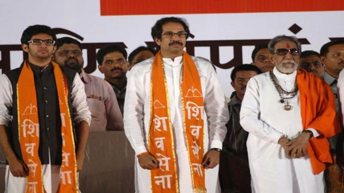 <strong>From (L) to (R): Aaditya Thackeray, Uddhav Thackeray, Bal Thackeray</strong>