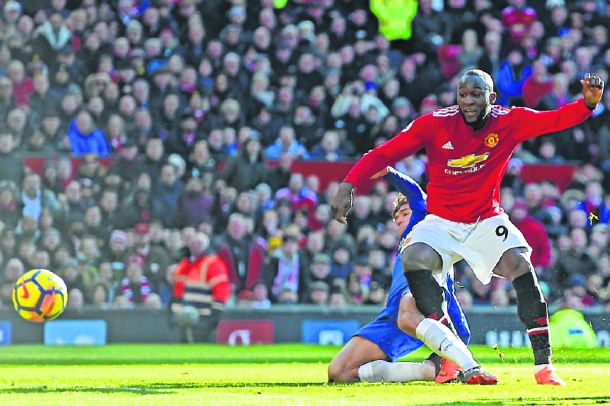 Lukaku stars in Man Utd's 2-1 win over Chelsea