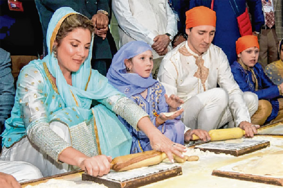 Justin Trudeau offers prayers at Golden Temple; says no support for separatists