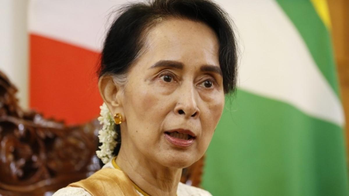 Rohingya: Canada strips Suu Kyi of honorary citizenship