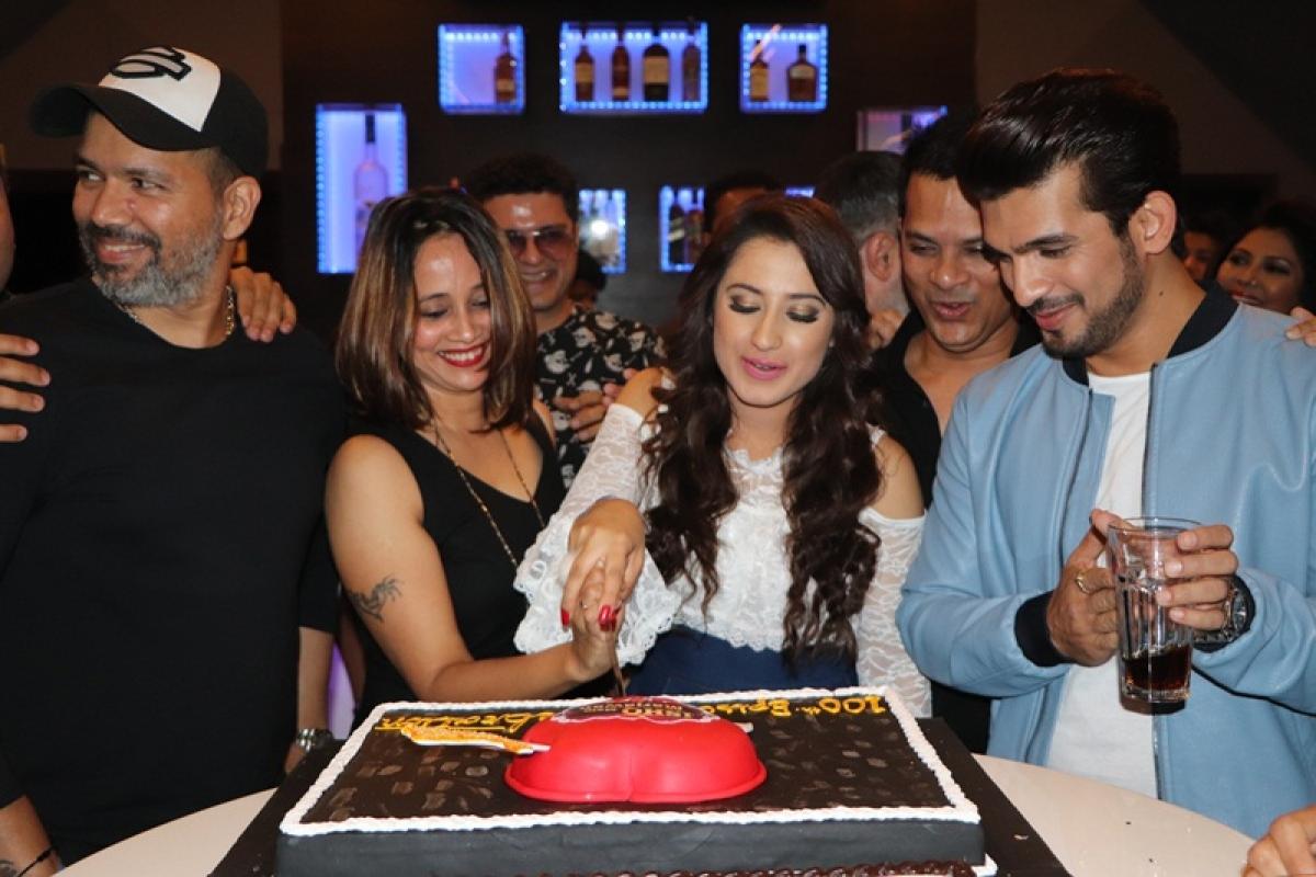 In Pictures: 'Ishq Mein Marjawan' stars Arjun Bijlani and Aalisha Panwar celebrates century of the show