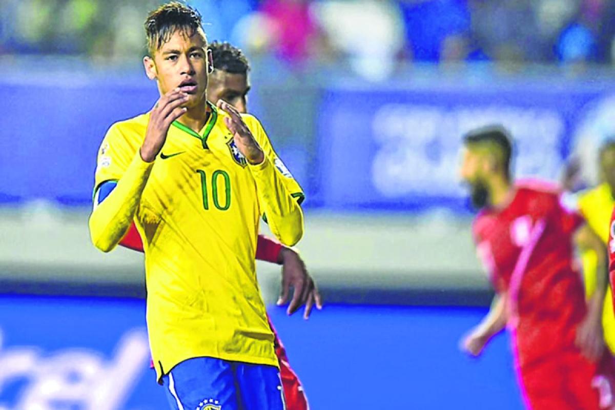 Neymar already world's best, says Pele