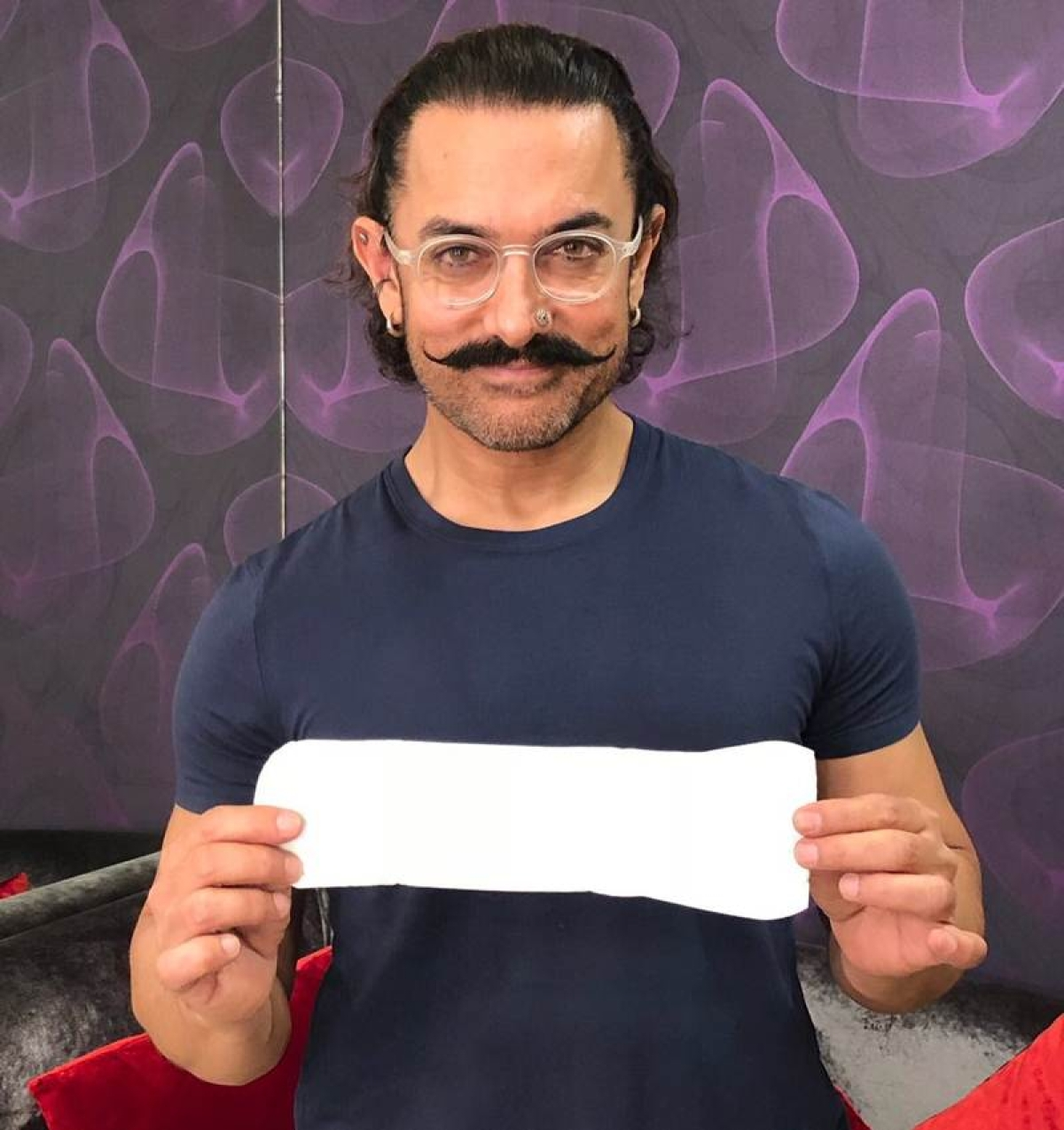 PadMan challenge accepted: Aamir Khan shares picture holding sanitary napkin, nominates Big B, Shah Rukh, Salman